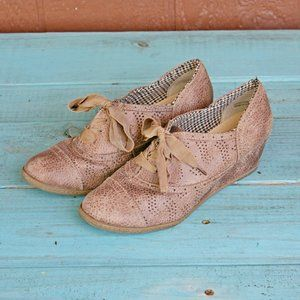 Not Rated Lace Up Oxford Sneaker Wedge Heels Sz 8
